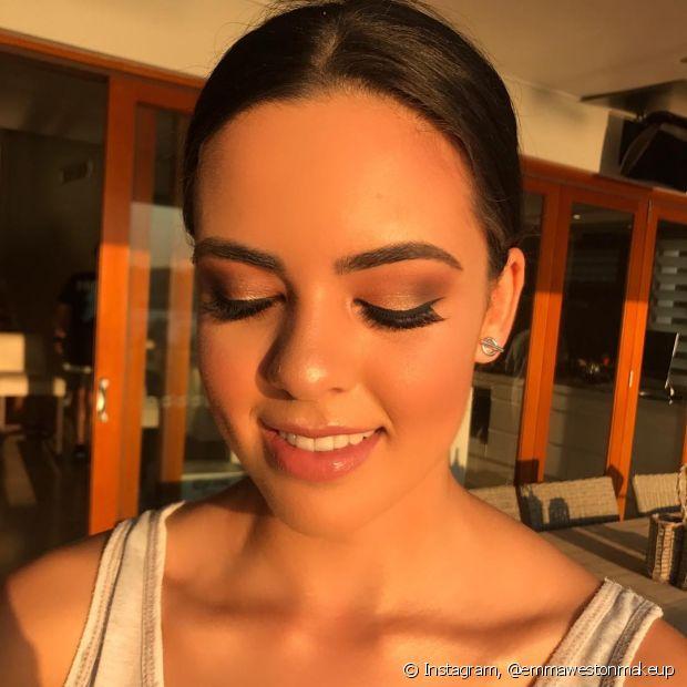 Decidir a maquiagem é essencial para completar o look da noiva na cerimônia