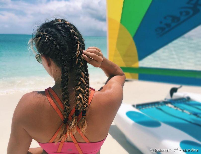 Para as meninas que estão em transição capilar, ir à praia pode ser um pesadelo
