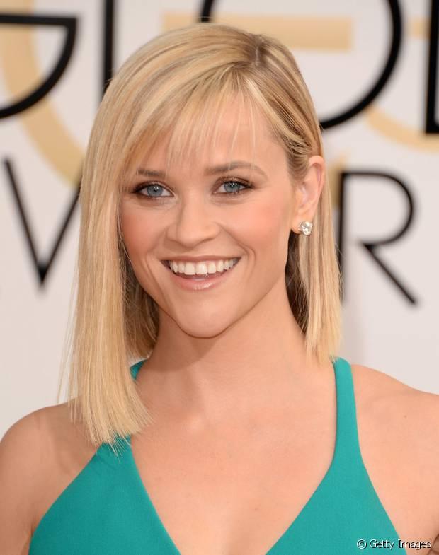 Reese Witherspoon já teve o long bob assimétrico com um lado maior que o outro