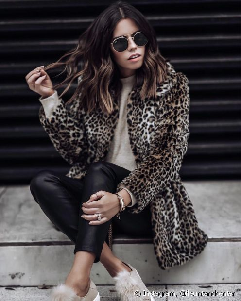 O casaco de onça é versátil e permite diferentes combinações, seja qual for o seu estilo