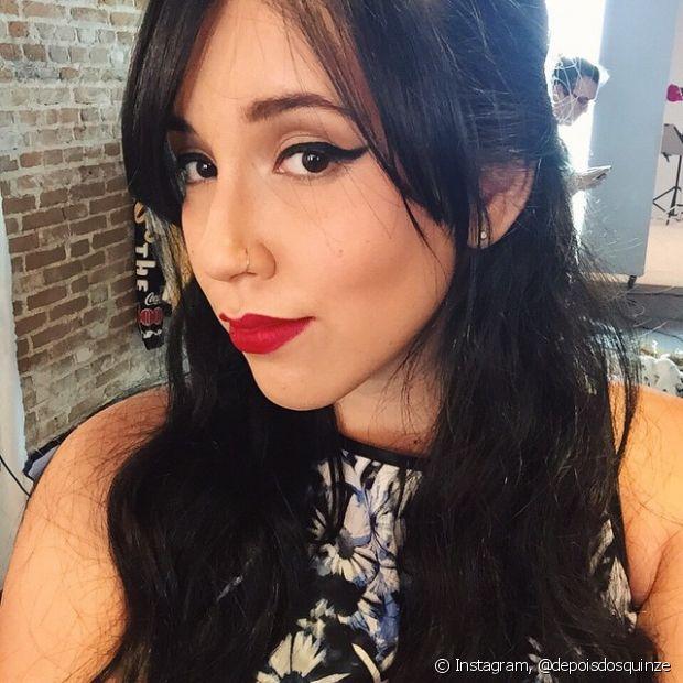 O semipreso é aquele penteado básico, mas que deixa os cabelos supercharmosos, além de dar destaque para o rosto e a para maquiagem linda que você pode se inspirar em Bruna Vieira