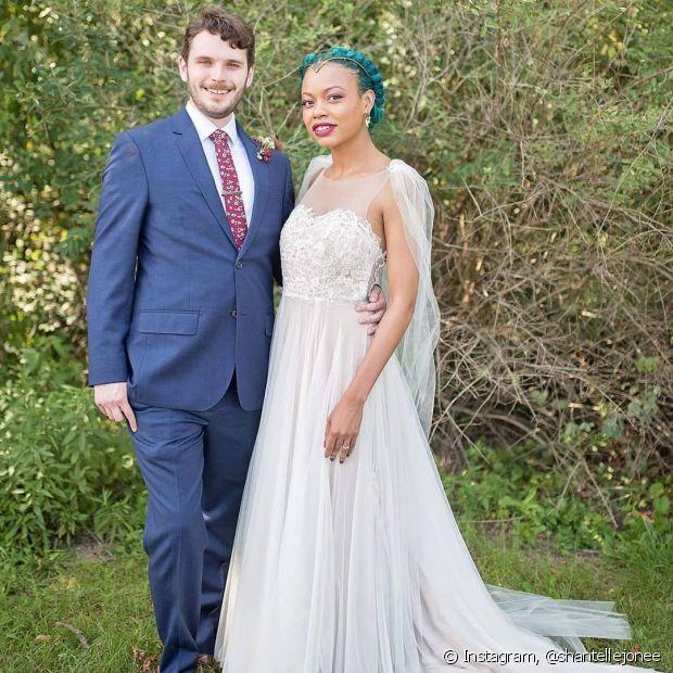 Vai ter noiva crespa e com cabelo colorido sim! Se joga nas cores e expresse sua personalidade no dia do seu casamento