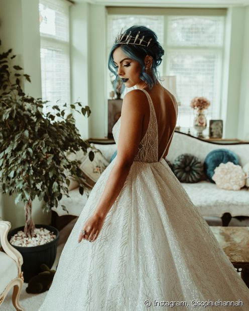 Noivas de cabelo colorido imprimem muita personalidade e estilo para as cerimônias