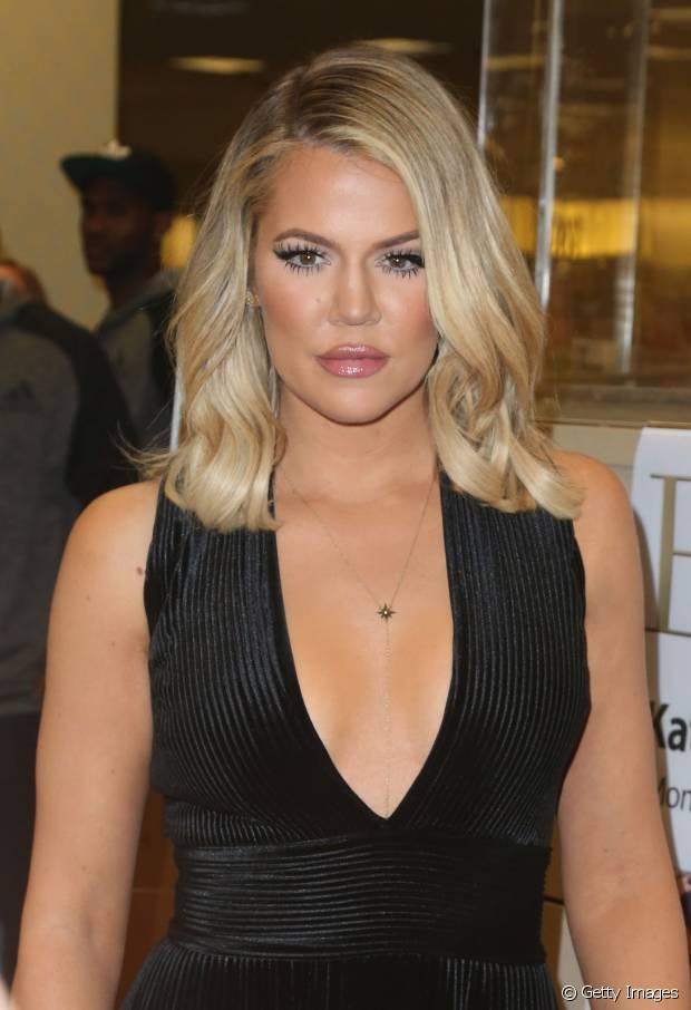 O cabelo inteiro foi a aposta de Khloé Kardashian para o seu novo visual