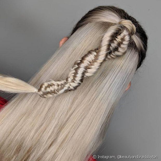 Você pode usar a trança DNA para incrementar os penteados semipresos