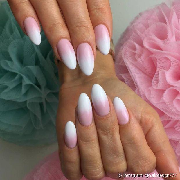 O degradê é um clássico das nail arts e pode ser reproduzido com diferentes técnicas! Com variados níveis de dificuldade, a transição de cores é bem democrática e pode ser feita do iniciante ao profissional