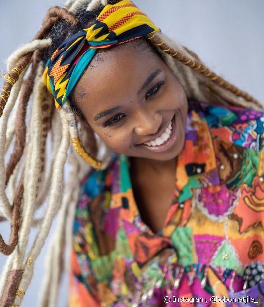 As extensões sintéticas facilitam o penteado de Carnaval