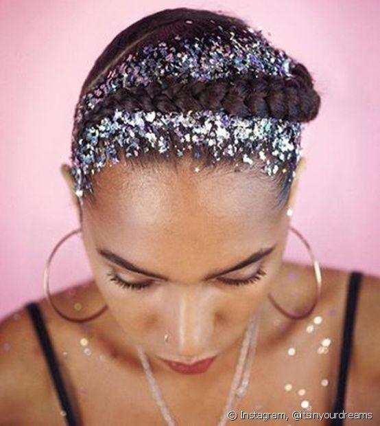 Para quem curte um brilho, o glitter não pode faltar no penteado de Carnaval