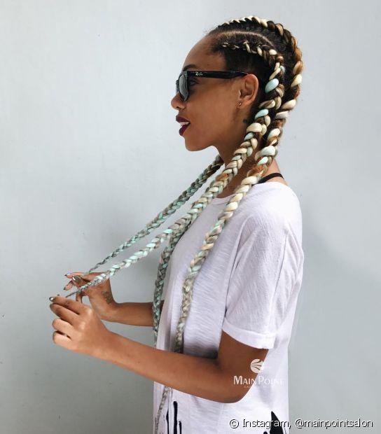 Tons pastel ficam lindos em box braids em tonalidades mais escuras