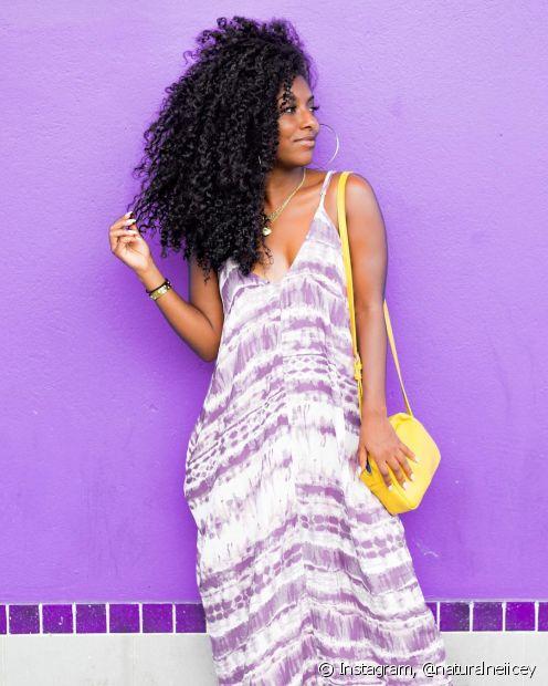 As receitas caseiras para cabelo cacheados são práticas, rápidas e bem baratinhas (Foto: Instagram, @naturalneiicey)