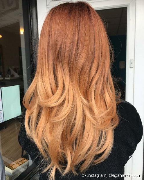 O ombré hair loiro em cabelos ruivos é uma opção ousada e que garante um efeito sombreado incrível