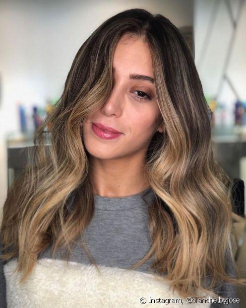 O ombré hair dá um novo brilho ao visual das morenas e pode ser o detalhe que estava faltando para renovar seu look