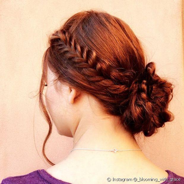 O cabelo ruivo acobreado precisa ser cuidado em casa para continuar deslumbrante e saudável (Foto: Instagram @_blooming_with_grace)