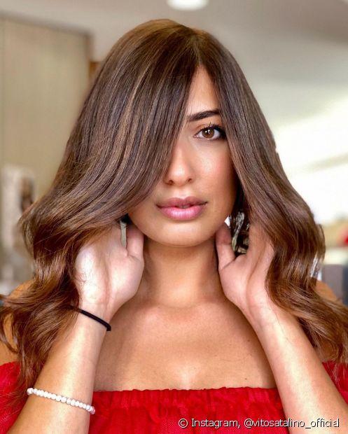 O cabelo castanho claro é nunca sai de moda! Saiba como adotar e inspire-se com as imagens da galeria (Foto: Instagram @vitosatalino_official)