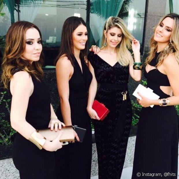O Time de Divas Janaína Carvalho, Mariana Saad, Carolina Tognon e Renata Uchôa compartilharam um clique antes de irem ao evento da Niely