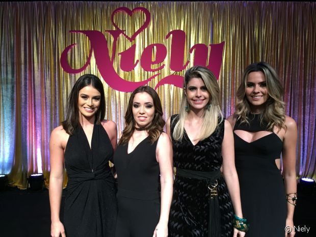 Mariana Saad, Janaína Carvalho, Carolina Tognon e Renata Uchoa formam o Time de Divas da Niely