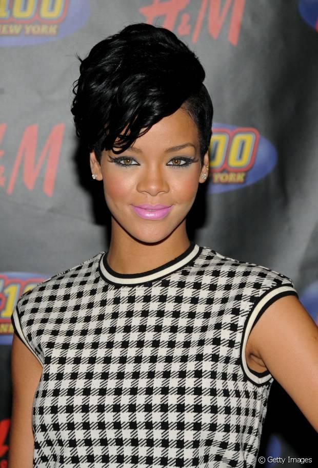 Em 2008, Rihanna já exibia o sidecut