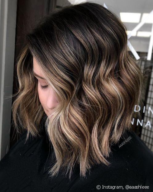 O ombré hair loiro em cabelo escuro pode mesclar diferentes tonalidades da coloração para um resultado mais harmônico (Foto: Instagram @aaashleee)