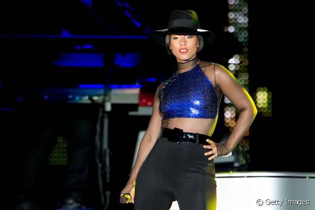 Pela primeira vez na versão brasileira do Rock in Rio, Alicia Keys fez dueto com a cantora Maria Gadú, em 2013