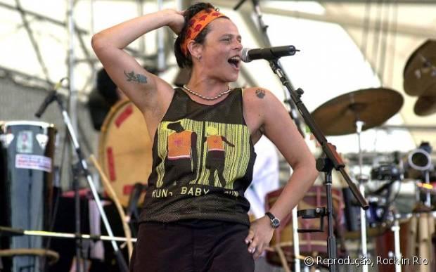 Cássia Eller fez um dos melhores shows de sua carreira no Rock in Rio 2001
