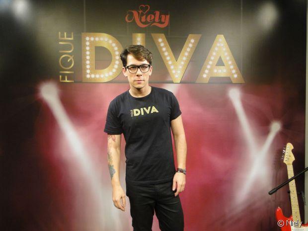 O cabeleireiro Rodrigo Antony selecionou os 24 profissionais que trabalharam no stand Fique Diva