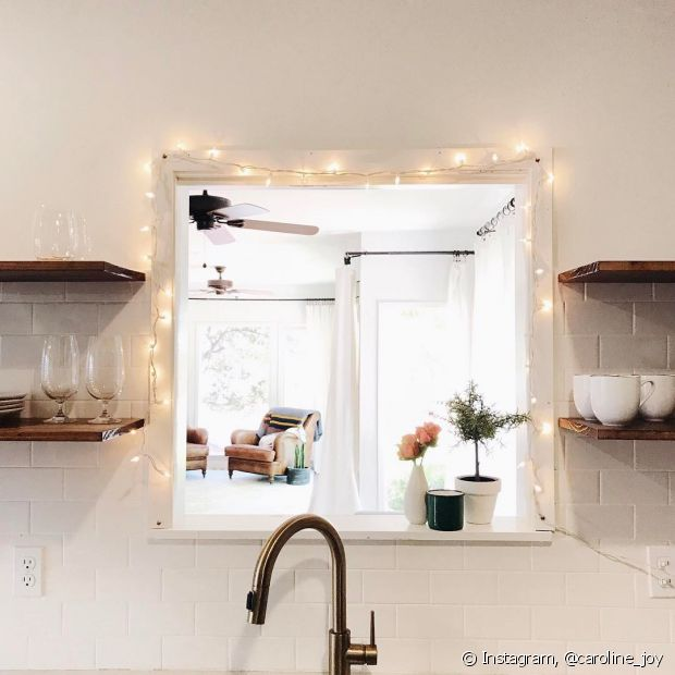 Aproveite as luzes pisca-pisca que você usa em época de Natal para decorar sua casa o ano todo