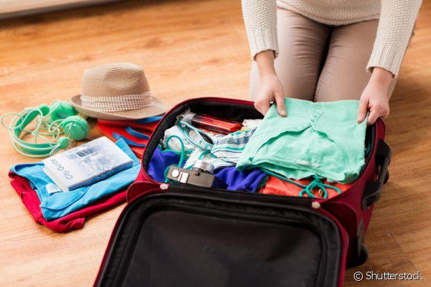 Guarde coisas pequenas dentro dos seus sapatos ocupar menos espaço e encontrá-las mais rápido
