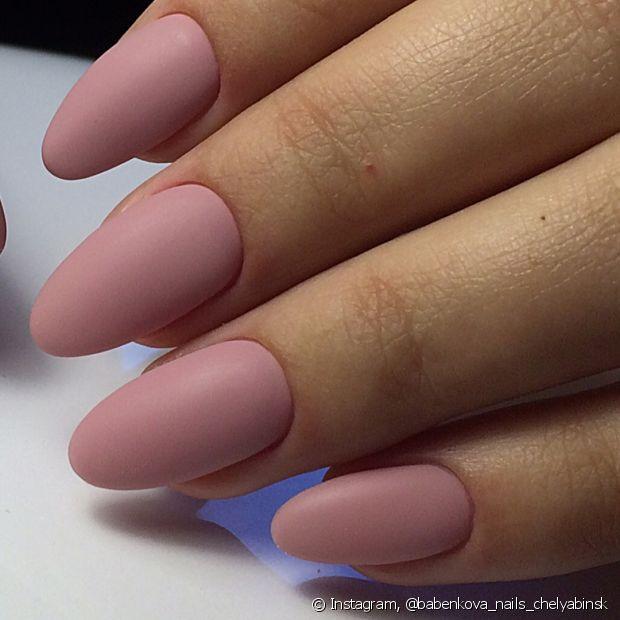 Os tons rosados são charmosos e sofisticados. Que tal uma versão fosca desse tom lindo?