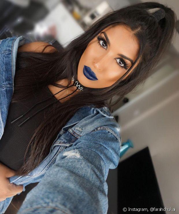 @farahdhukai tem o Instagram CHEIO de vídeos de maquiagem e cuidados com a pele