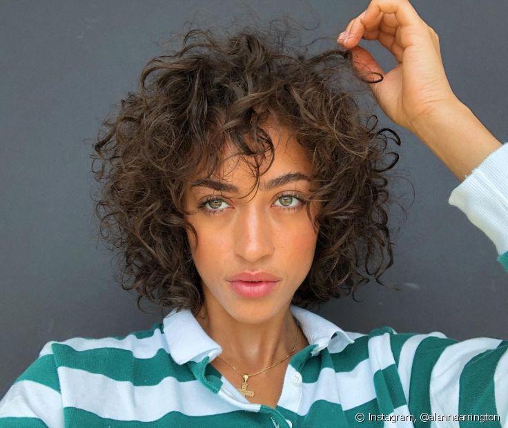 O cabelo natural também precisa de cuidados para se manter saudável (Foto Instagram: @alannaarrington)