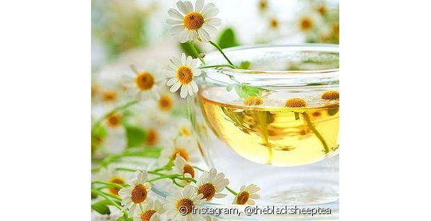 O chá pode ser um produto incrível para os seus cabelos
