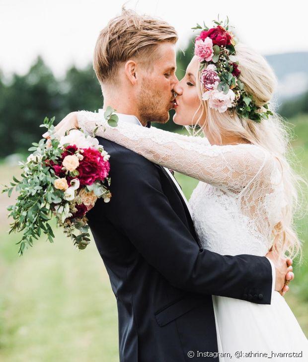 Aposte na coroa de flores naturais para casamentos ao ar livre