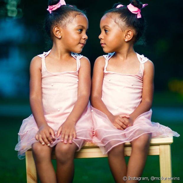 As fofas Ava e Alexis McClure amam exibir seus looks combinando