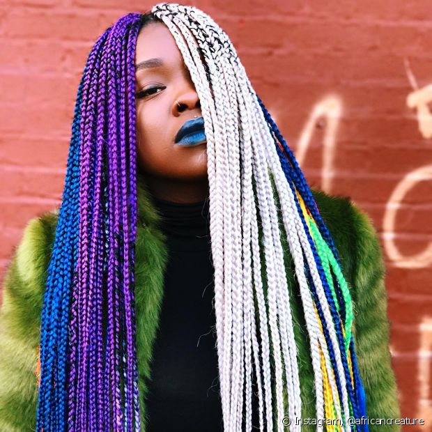 As box braids mudam completamente o visual e o estilo é uma boa opção para quem está passando pela transição capilar