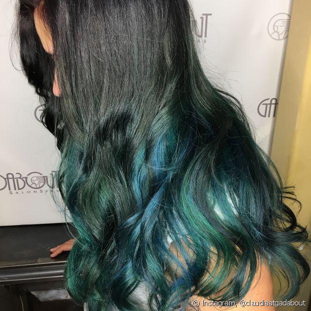 Você pode fazer a tendência do cabelo oceano por todo o fio ou apenas nas pontas