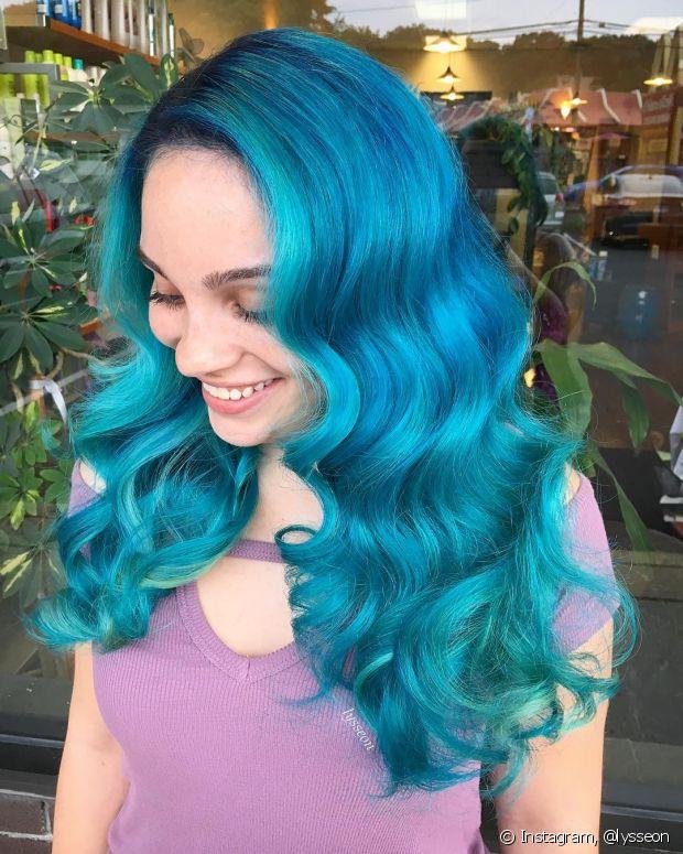 O cabelo oceano nada mais é do que uma mistura entre tons azulados e verdes
