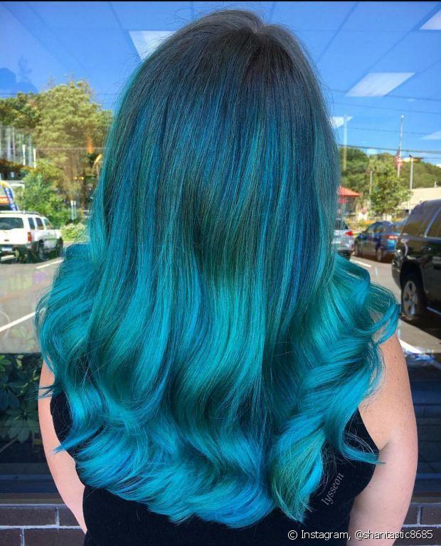 Use finalizadores com filtro UV para proteger o seu cabelo oceano