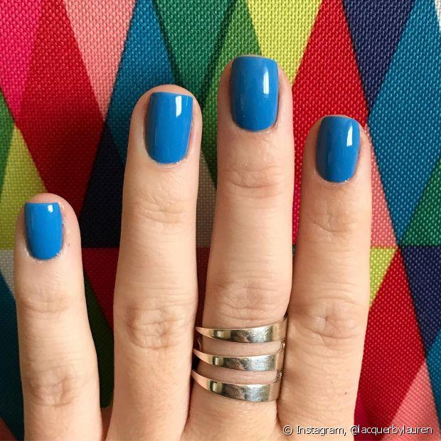 Esterilize os seus utensílios antes de fazer as unhas