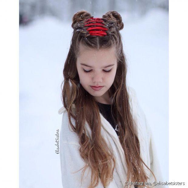 Você pode usar a trança espartilho para variar o look da sua filha