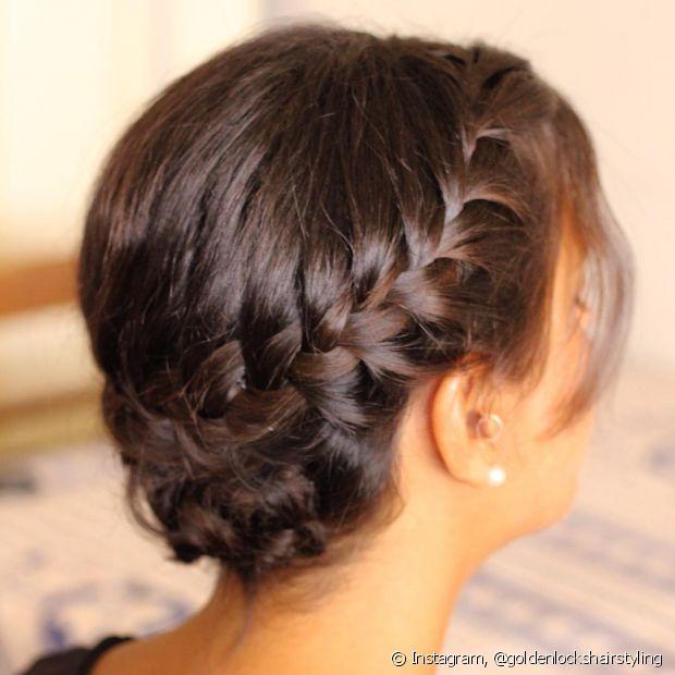 A tiara de trança pode ser feita até mesmo em cabelos mais curtinhos