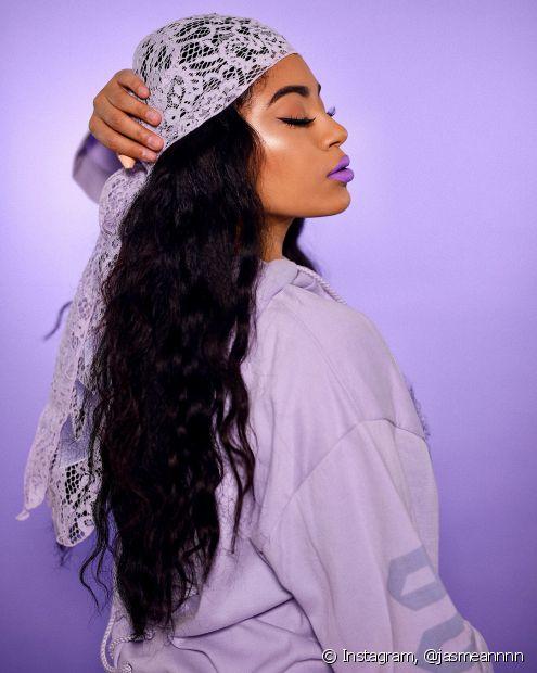 O tonalizante é o melhor produto para retocar a tonalidade preta nos cabelos