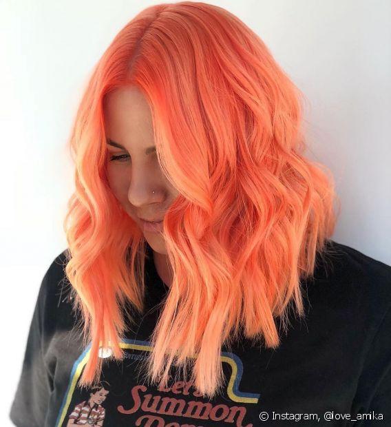 O laranja é um tom vibrante que está em alta entre as novas cores de cabelo