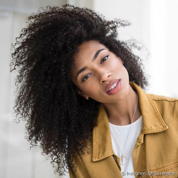 Lavar os cabelos todos os dias é um hábito prejudicial para saúde capilar! O ideal é desenvolver novas técnicas para prolongar o período entre as lavagens