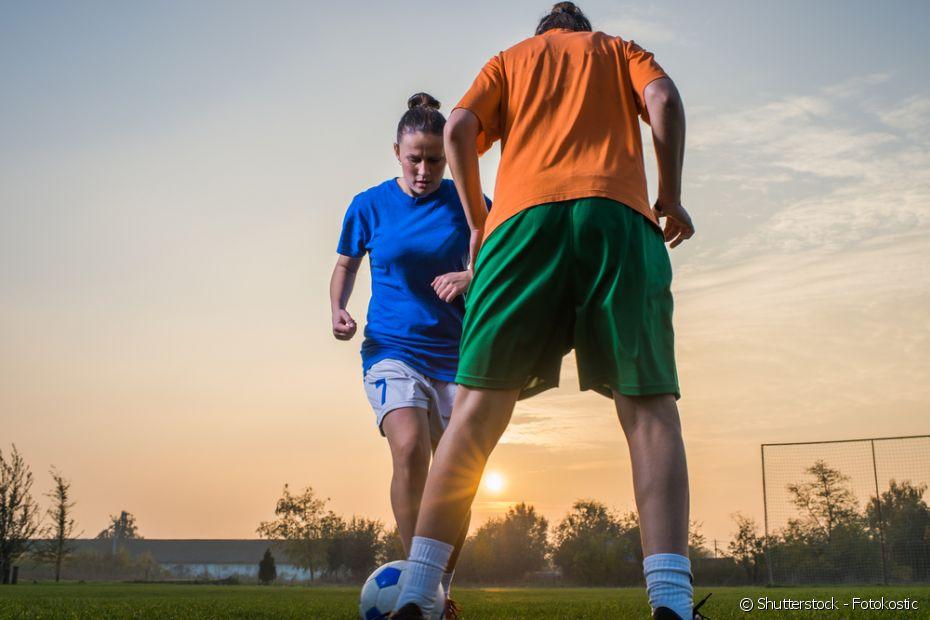 Se inspire com essas dicas de penteados para jogar futebol (Foto: Shutterstock)