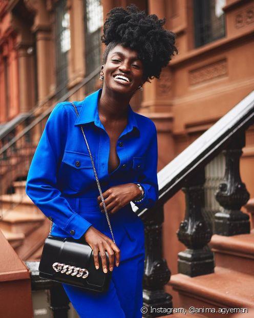 O Fique Diva separou 11 tipos de penteados para cabelo crespo par avocê se inspirar em looks rápidos e fáceis (Foto: Instagram, @anima.agyeman)
