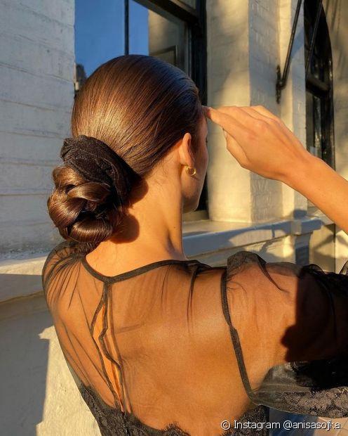 Saiba como evitar o frizz nos penteados para cabelos lisos! (Foto: Instagram @anisasojka)