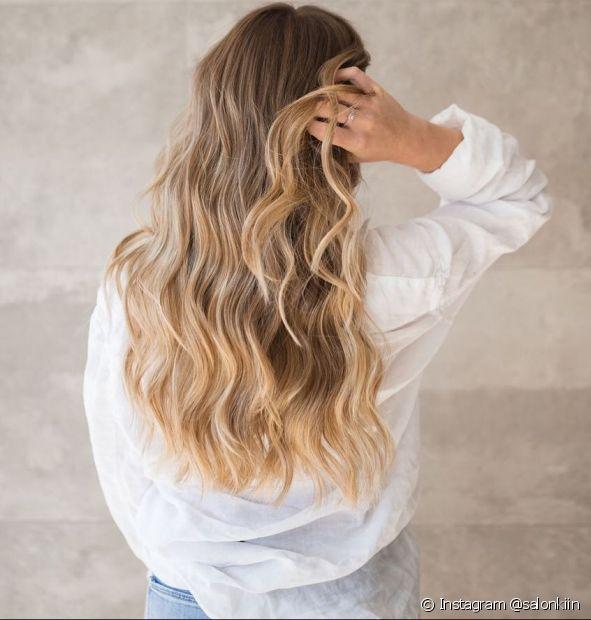 O corte em U tem um formato arredondado que valoriza todos os tipos de cabelo. Saiba tudo sobre o corte! (Foto: Instagram @salonkiin)