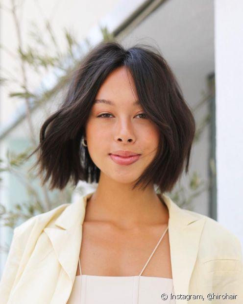 Aposte no corte de cabelo chanel curto e no castanho escuro para um visual clássico (Foto: Instagram @hirohair)
