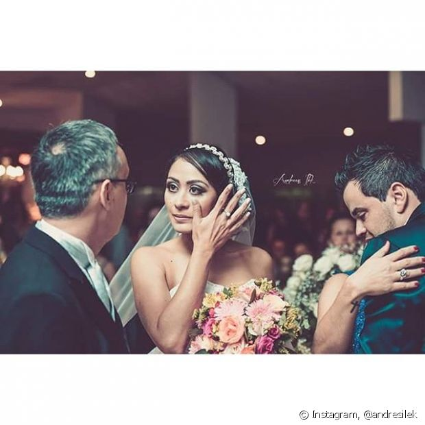 A tiara ainda é muito usada pelas noivas!