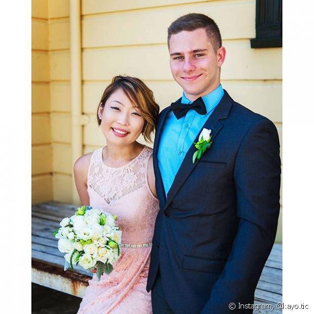 O franjão lateral pode, sim, ficar solto no penteado da noiva